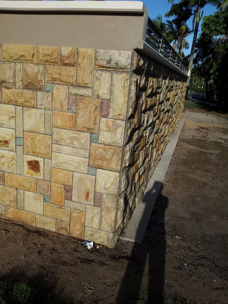 sandstone-wall-cladding-in-cairns-australia