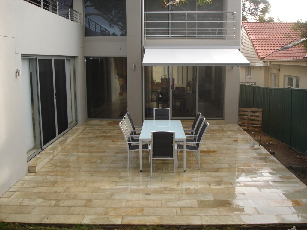 indonesia-golden-palimo-sandstone-pavers