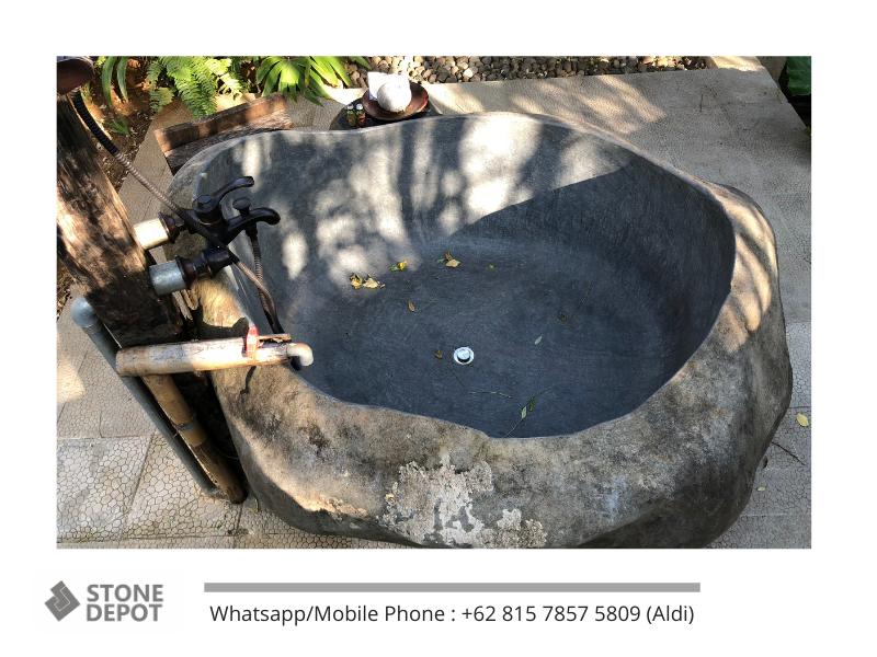 a-durable-bathtub-on-the-floor